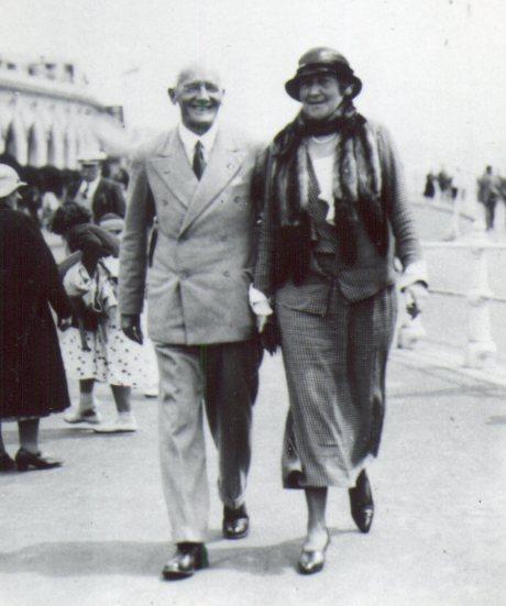 Grandpa&GrannyWard 1250